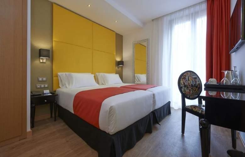 NH Barcelona Barri Gotic - Room - 5