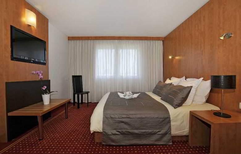 Quality Suites Bordeaux Aéroport & Spa - Room - 5