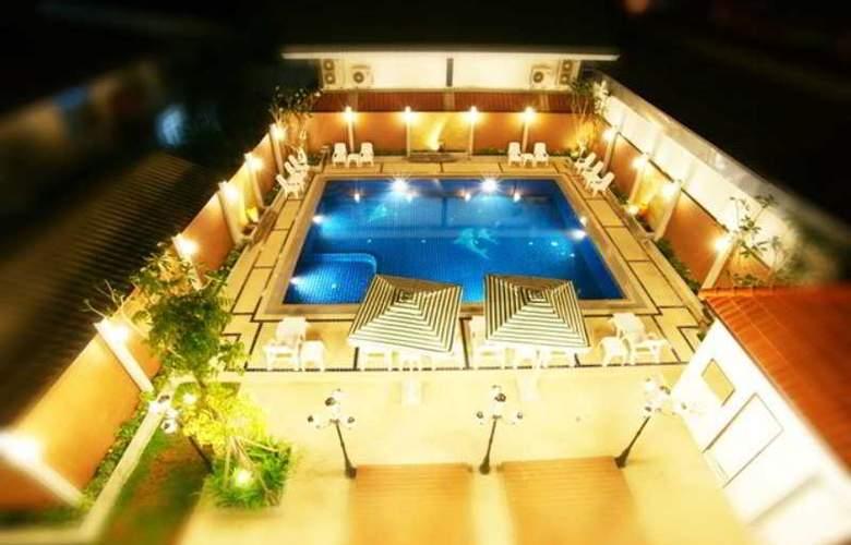 Suksabai Residence Pattaya - Pool - 50