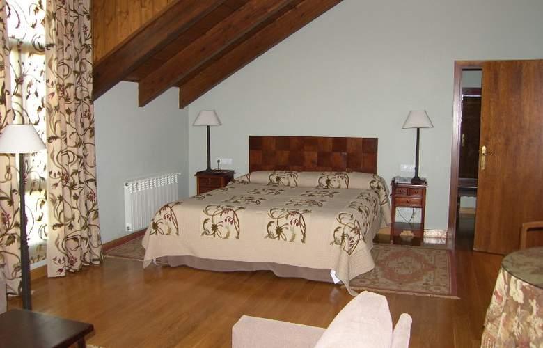 Conde Aznar - Room - 7