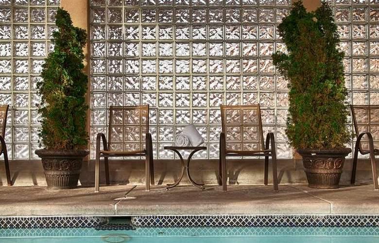 Best Western Town & Country Inn - Pool - 96