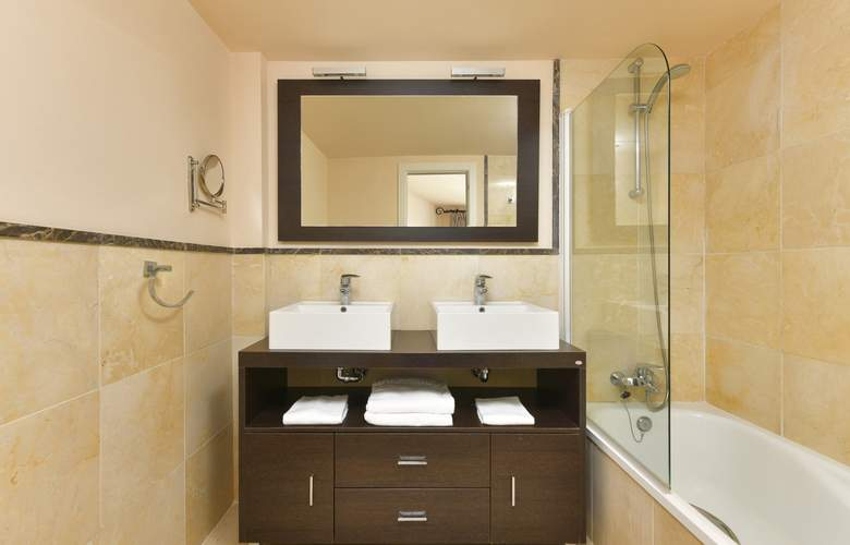 Olée Holiday Rentals by Fuerte Group - Room - 11