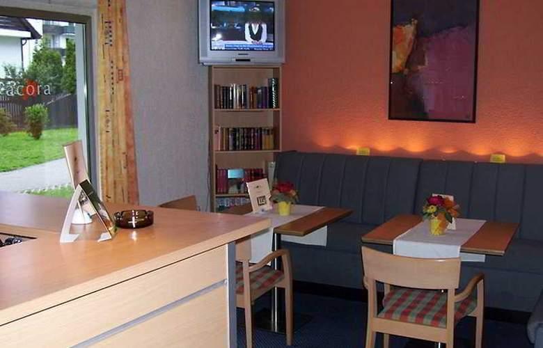 Acora Hotel und Wohnen Düsseldorf - Bar - 4