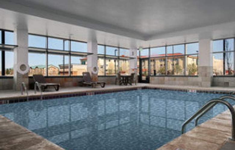 Baymont Inn & Suites Denver International Airport - Pool - 7