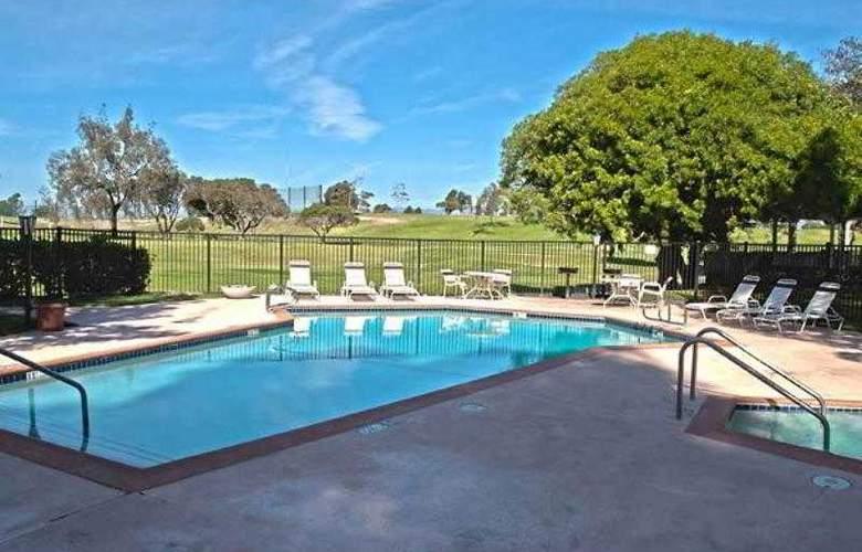 Residence Inn Oxnard River Ridge - Hotel - 9