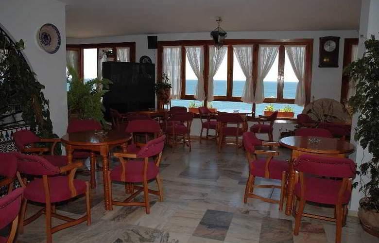 Patricia Hotel - Restaurant - 2