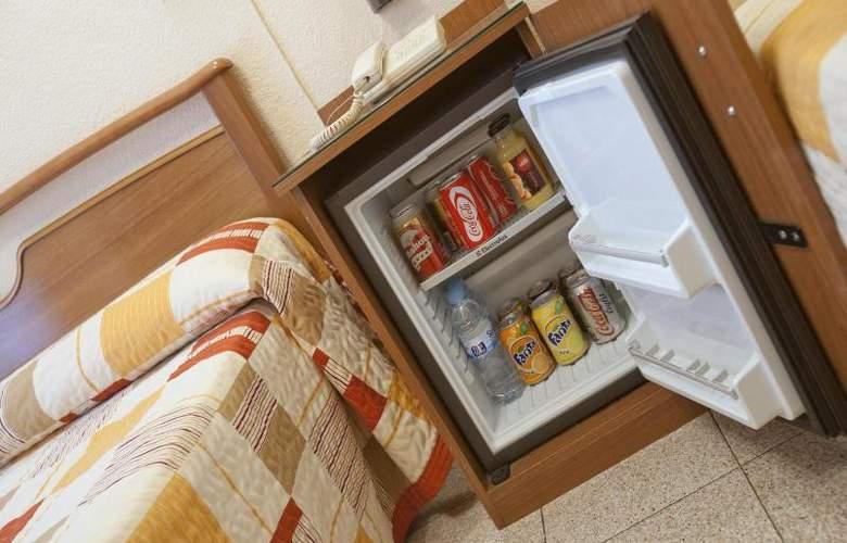 Hostal Maria Luisa - Room - 2