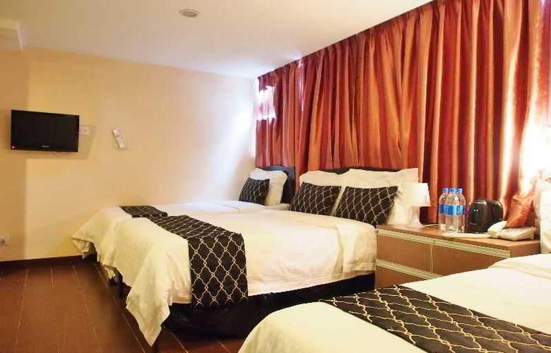 California Hotel - Room - 27