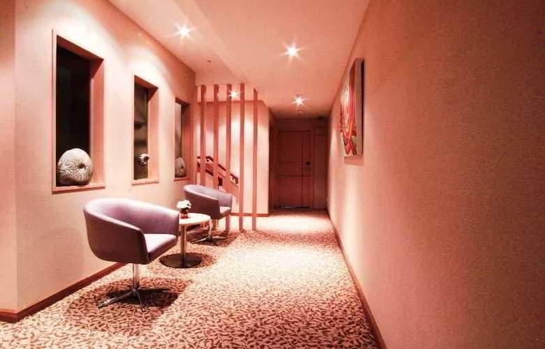 Petals Inn - Hotel - 0