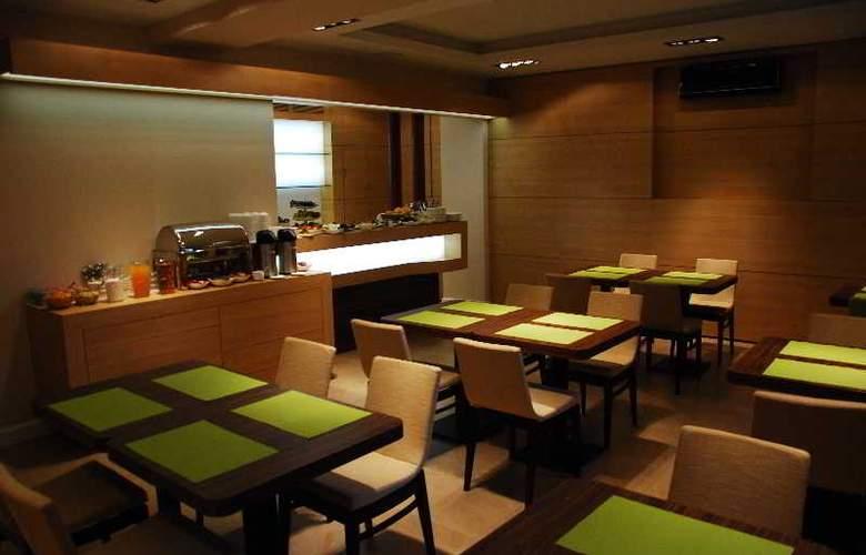 Liv´Inn Aparthotel - Restaurant - 2