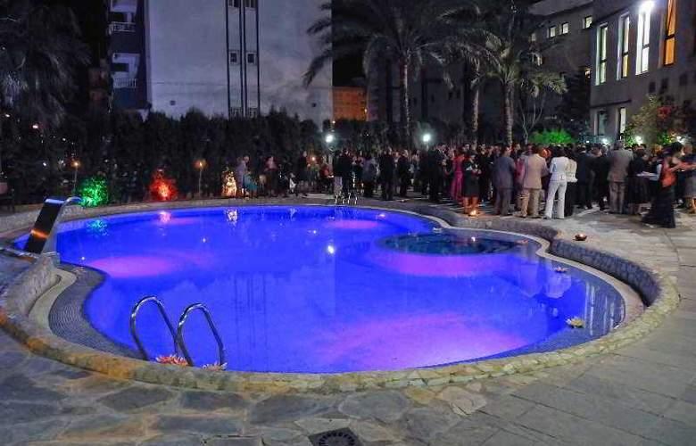 Principal - Pool - 23