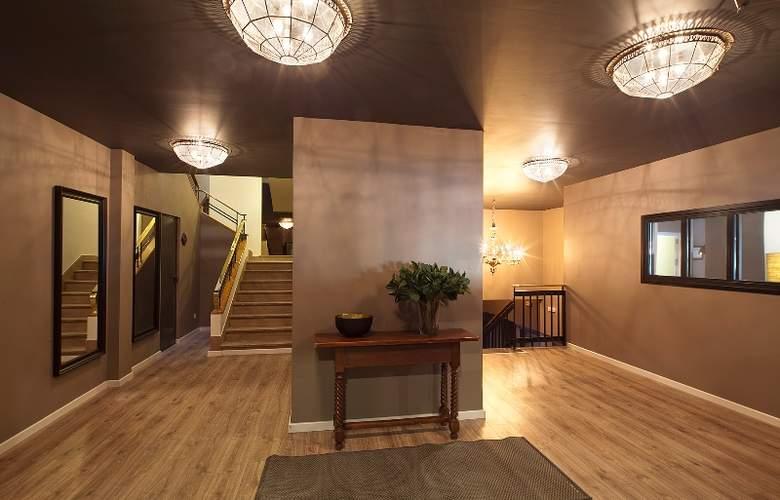 Acta Madfor - Hotel - 2
