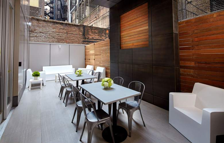 Cambria Hotel & Suites Times Square - Terrace - 6