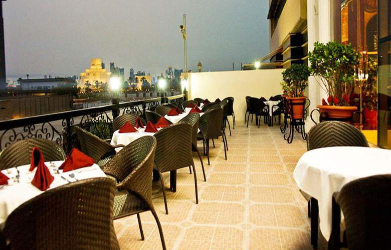 Best Western Plus Doha - Terrace - 16