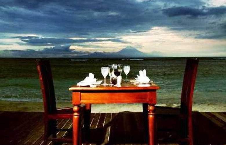 Aston Sunset Beach Resort - Gili Trawangan - Restaurant - 10