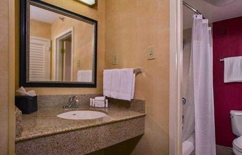 Courtyard Richmond West - Hotel - 22