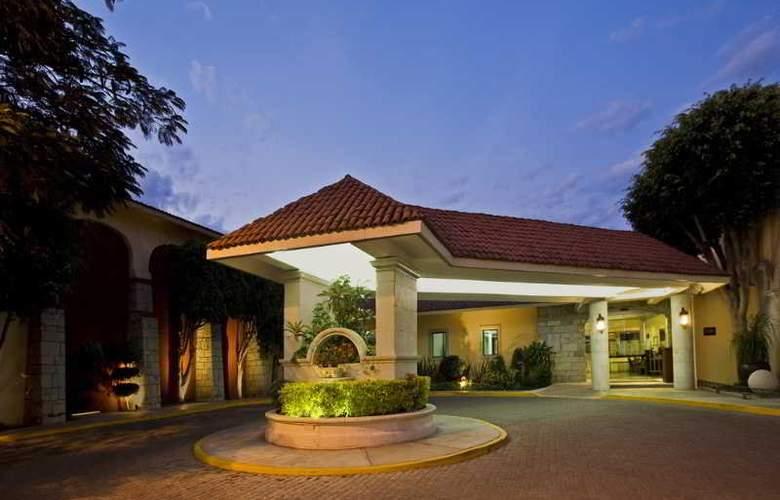 Fiesta Inn Oaxaca - Hotel - 5