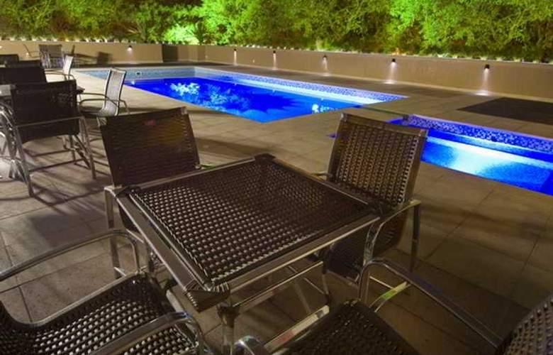 Wyndham Golden Foz Suítes - Pool - 7