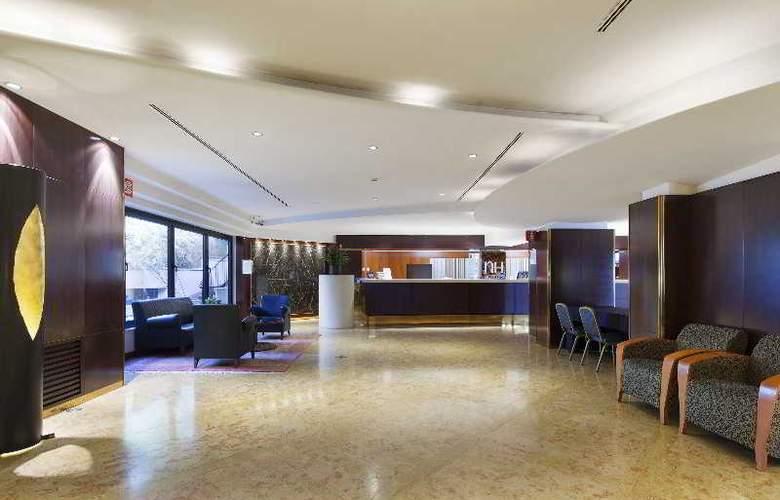 NH Villa Carpegna - Hotel - 10