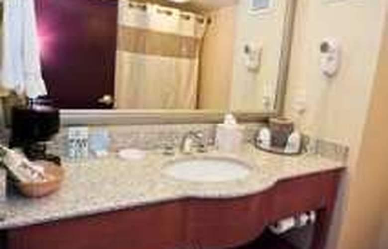 Hampton Inn & Suites Charlotte-Arrowood Rd. - Room - 2