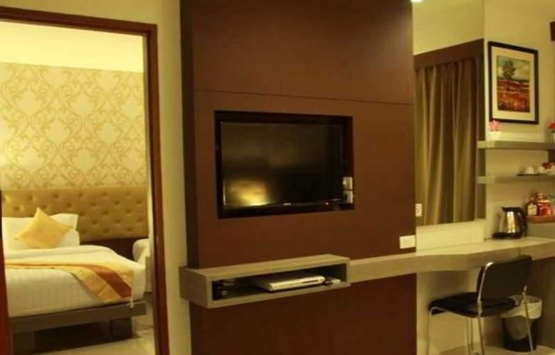 Hemingway's Silk Hotel - Room - 8