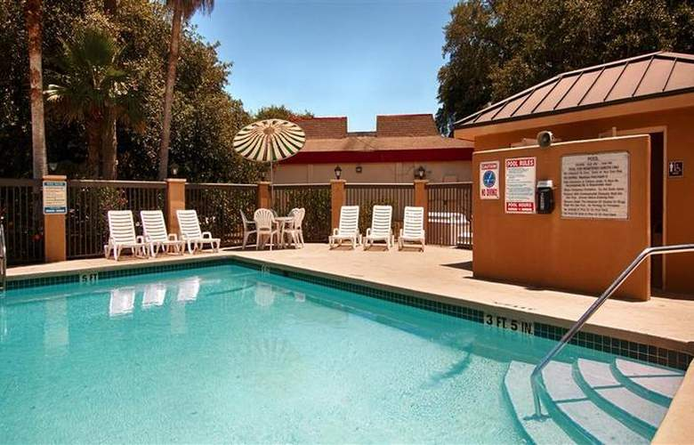 Best Western Palm Coast - Pool - 31