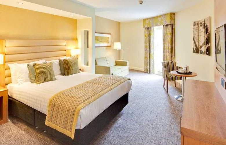 Drayton Manor Hotel - Room - 4