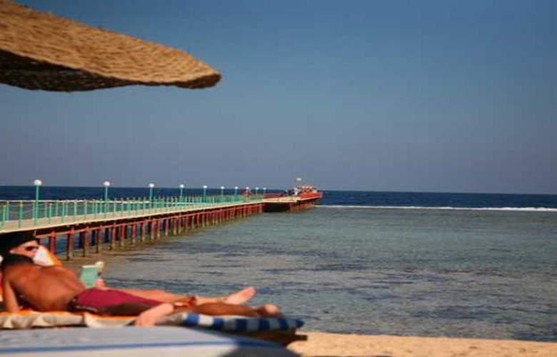 Flamenco Beach Resort - Beach - 21