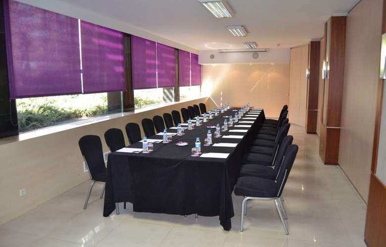 Ayre Gran Hotel Colon - Conference - 3
