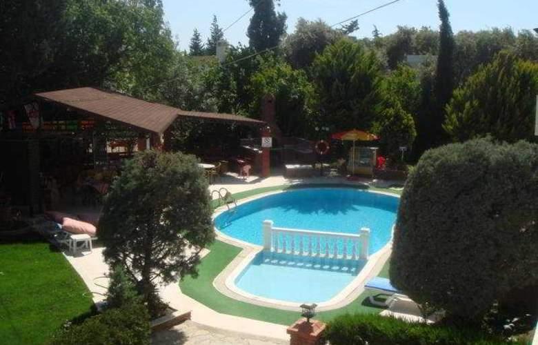 Cennet Apart Hotel - Pool - 7