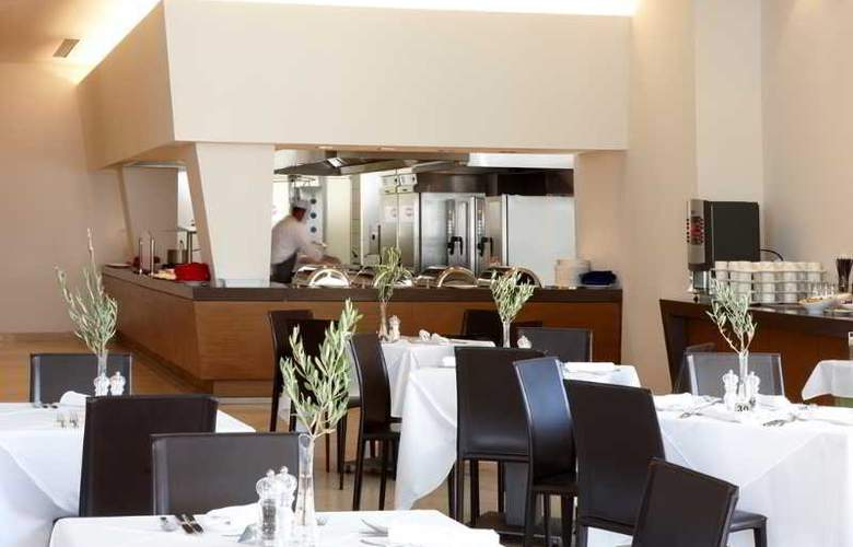 Atlantica Eleon Grand Resort and Spa - Restaurant - 17