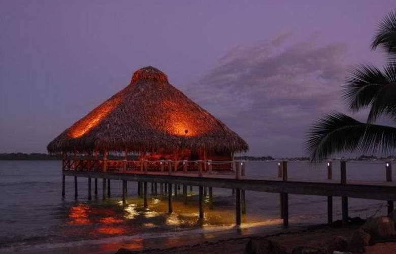 Playa Tortuga Hotel & Beach  Resort - Restaurant - 4