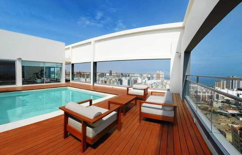 Dazzler Lima - Pool - 2