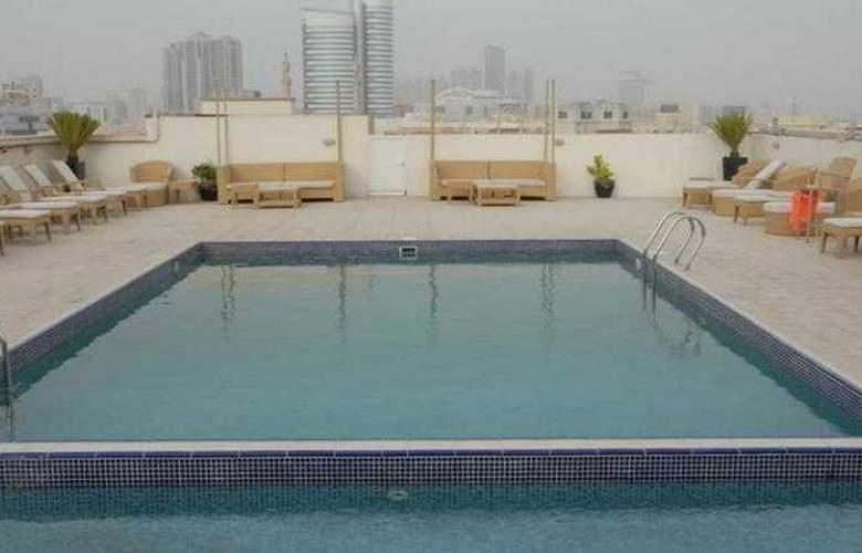 Rio - Pool - 6