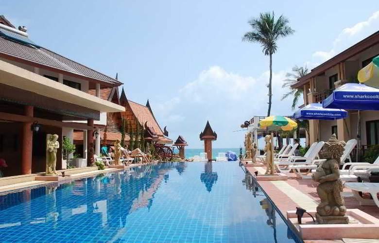 Sunrise Resort - Pool - 17