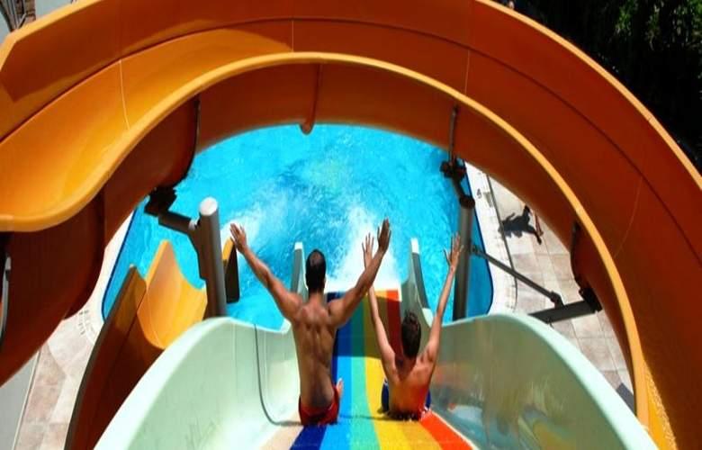 Okan Tower - Pool - 9