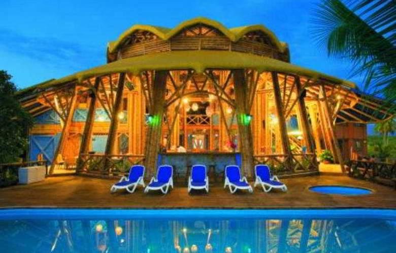 Timarai Bambu Resort - Pool - 10