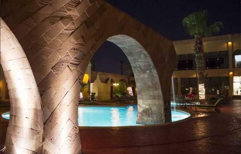 Lucerna Ciudad Juarez - Pool - 18