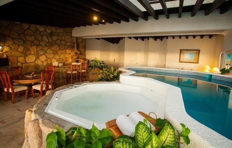Grand Park Royal Luxury Resort Puerto Vallarta - Pool - 18
