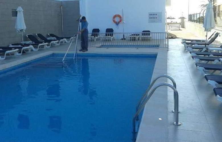Hoposa Pollentia - Sólo Adultos - Pool - 10