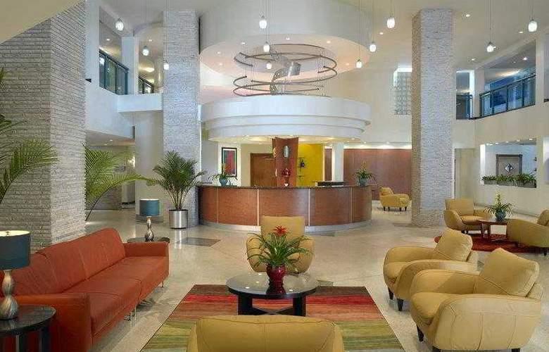 Best Western Plus Atlantic Beach Resort - Hotel - 7