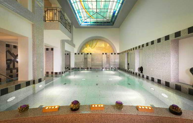 Dorint Maison Messmer - Pool - 47