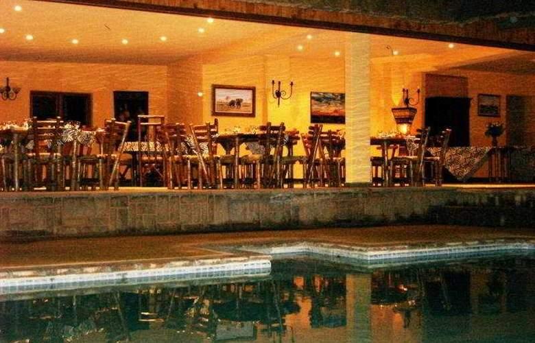 Kubu Safari Lodge - Terrace - 6