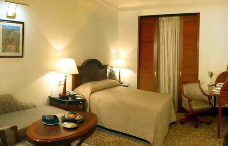 Residency Towers - Room - 0