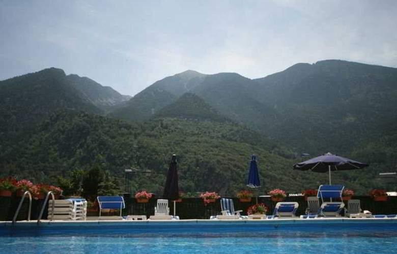 Pyrénées - Pool - 5