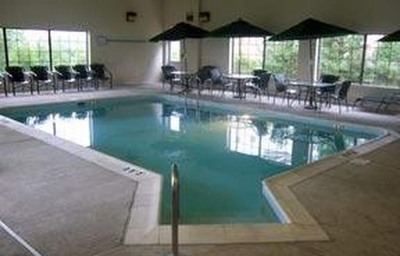 Comfort Suites (Chantilly) - Pool - 5