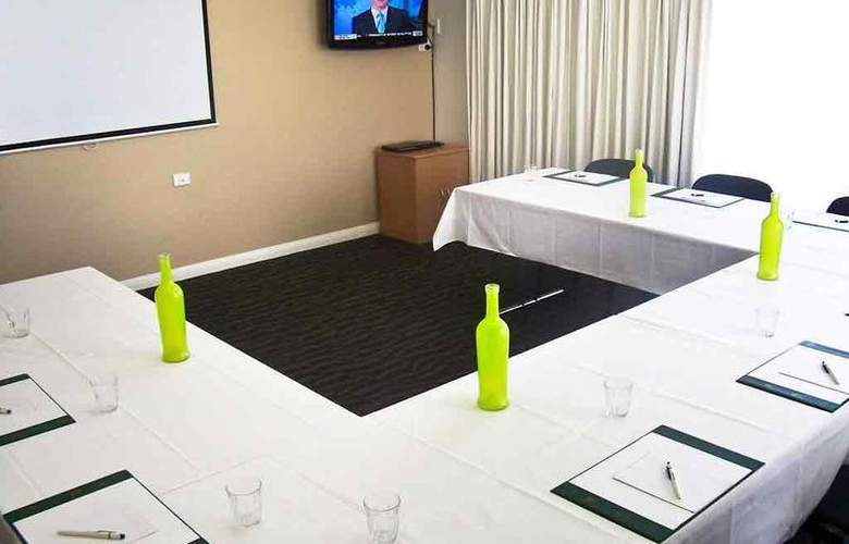 ibis Styles Cairns - Conference - 22