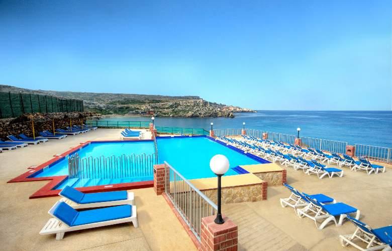 Paradise Bay - Pool - 5