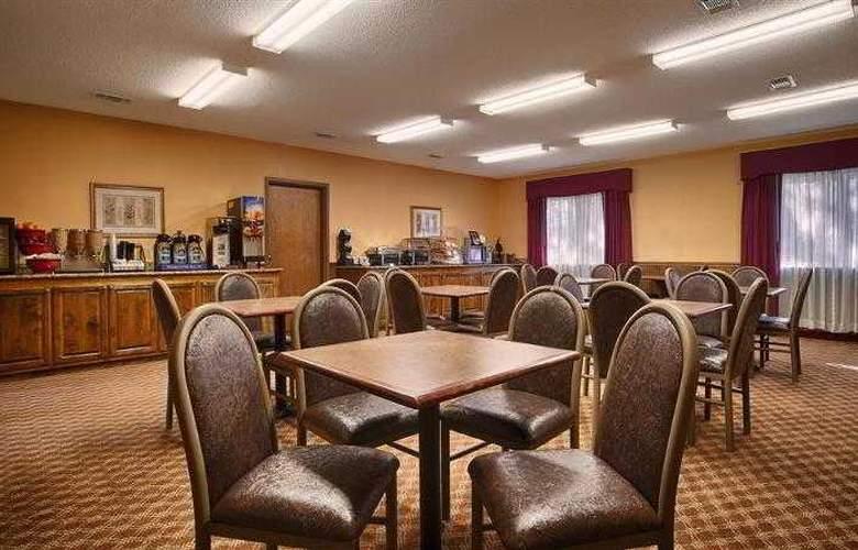 Best Western Woodstone - Hotel - 25