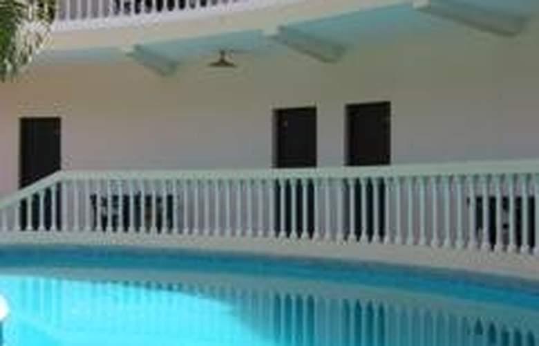 Minotel Les Flamboyants - Pool - 3